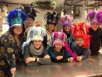 Carnavals-foam hoeden en pruiken